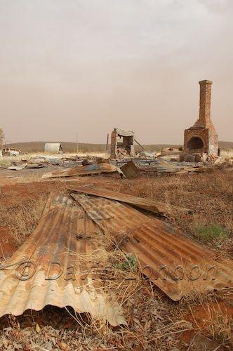 burnt-house-ruins19