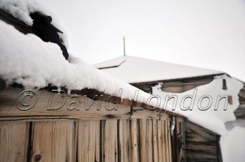 huts-snowfall-cu01