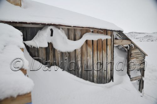 huts-snowfall-cu03