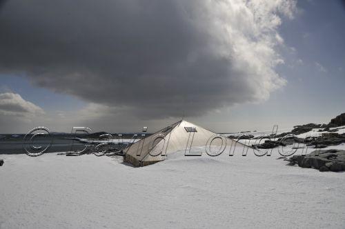 storm hut01